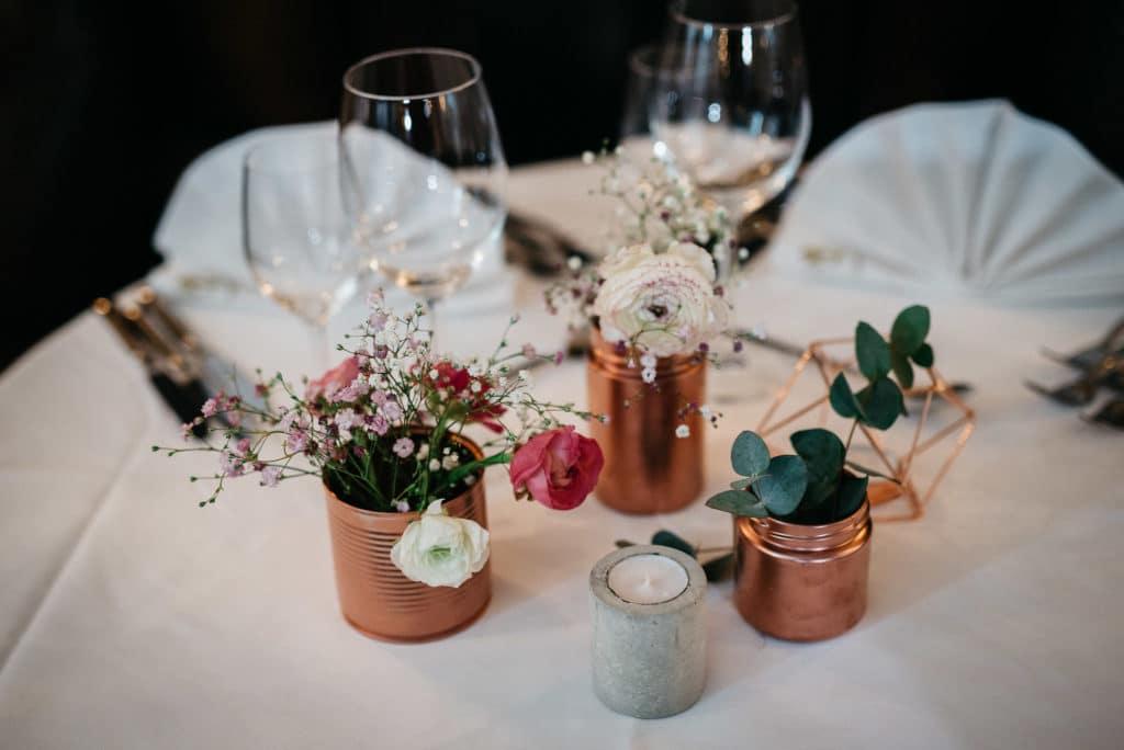 Heiratsantrag Hochzeit Hochzeitsplanung Ehepaar Location Tischdekoration Hochzeitsplaner