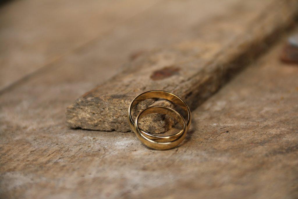 Hochzeit Eheringe Gold Nachhaltigkeit Green Wedding Hochzeitsplaner